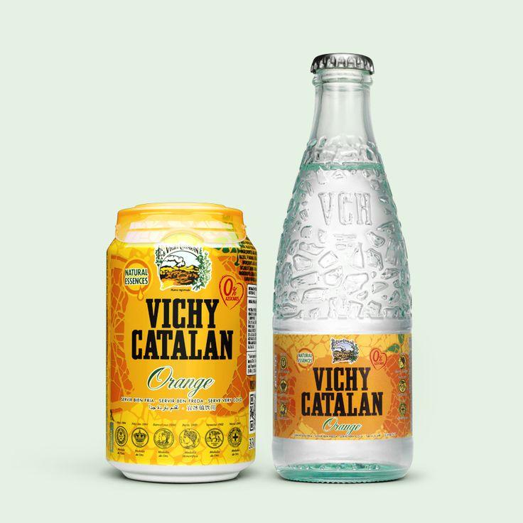 Vichy Catalán orange, en lata y en botella de vidrio. Vichy Catalán con sabor a naranja y sin azúcares añadidos. ¡Refrescante!