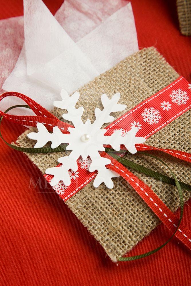 Μένη Ρογκότη - Χριστουγεννιάτικη μπομπονιέρα φακελάκι λινάτσας με χιονονιφάδα