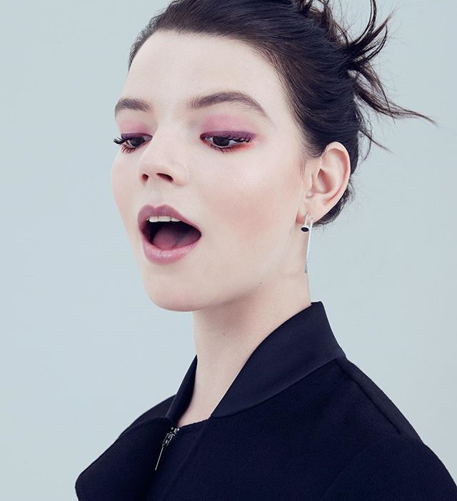 A little weekend beauty inspiration from Anya Taylor Joy, wearing plum Dolce & Gabbana makeup in our September issue. : @serena_becker; styling: @columbinesmille hair: @mr_alexandrycosta makeup: @tompecheux manicure: Lucie Pickavance production: @roscoproduction