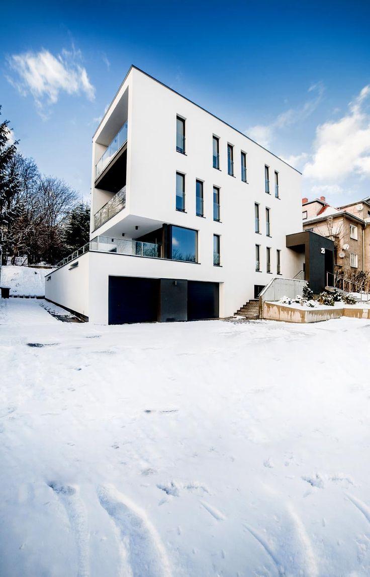 Easst.com / Office Building 001 / Poznan, Poland