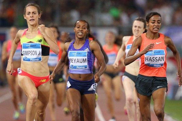 1500 metri donne                                      La miglior gara della stagione con le prime tre scese sotto i quattro minuti: Jennifer Simpson in 3:59.31, Sifan Hassan in 3:59.68 e l'etiope Seyaum (junior) in 3:59.76. Quarta la scozzese Laura Muir in 4:00.61