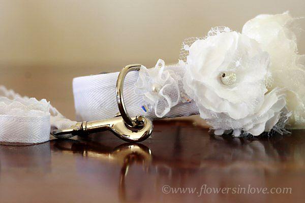 Handmade floral dog collar for ceremony