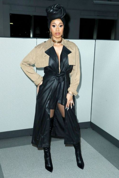 203bc51bbed Cardi B at Alexander Wang Fashion Show   Cardi simply rocked every single  part of this black and brown Alexander Wang look. The styling couldn t be  better ...