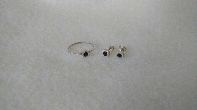 Conjunto de aros y anillo en plata 925 y acrílico.