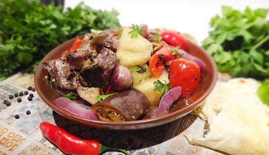 Армянский кчуч (Armenian Kchuch) - баранина с овощами, зеленью, вином в глиняном горшке. Древняя армянская посуда