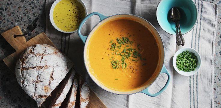 Krämig morotssoppa med persiljerot