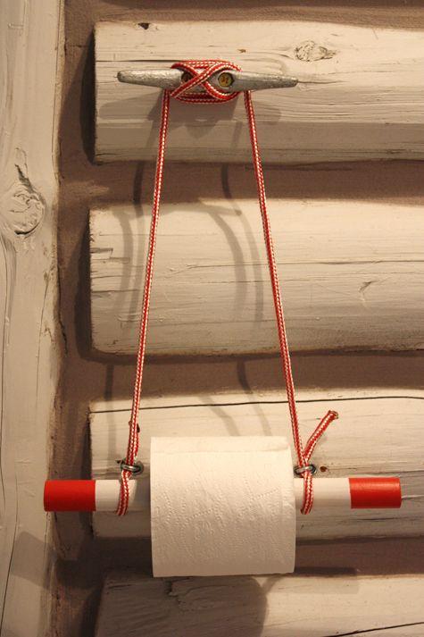 Sloe Gin Fizz: Nautical toilet paper holder