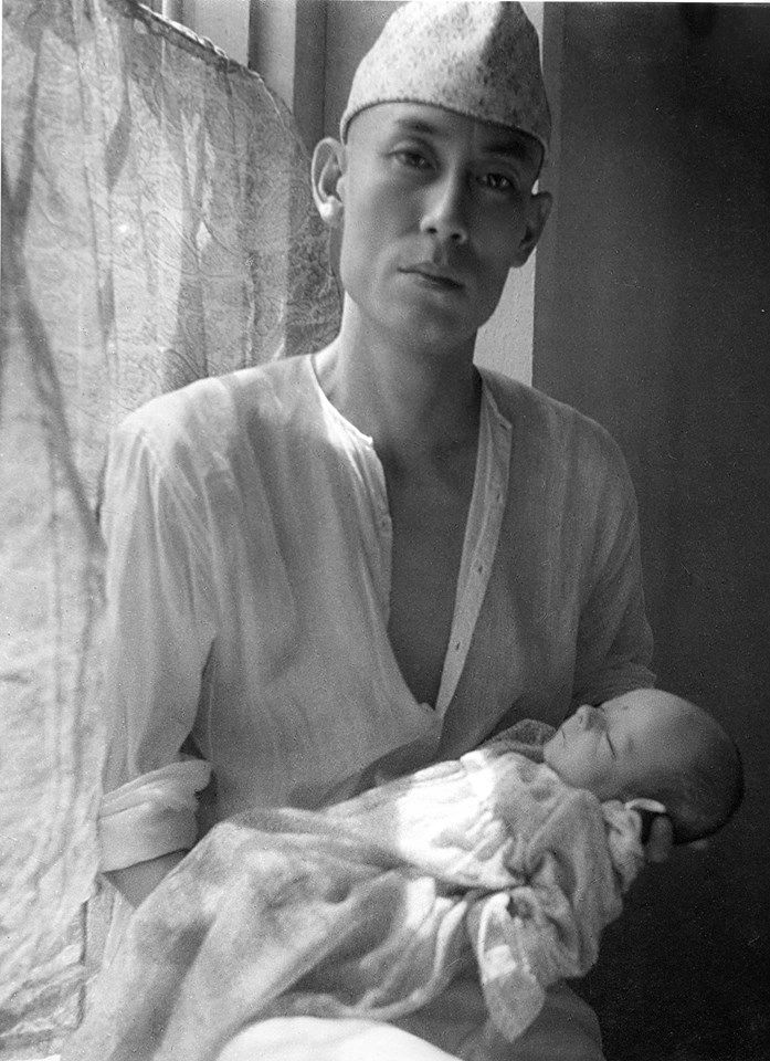 #RarePic : Papa #SDBurman with baby #RDBurman. Looks like Papa Burman is transferring his musical legacy to 'Pancham', having ancticipated the great heights his little angel would achieve in life.