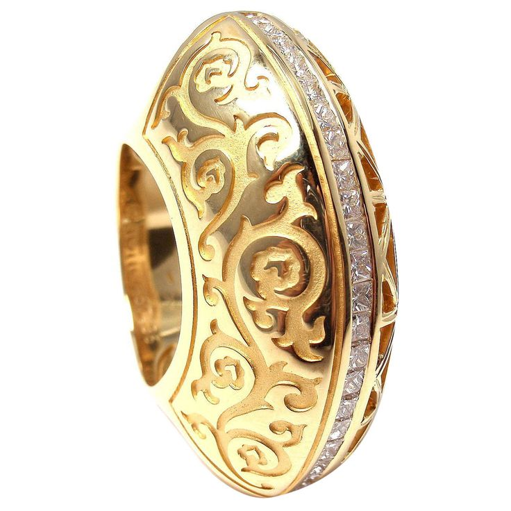 Carrera Y Carrera Cordoba Diamond Yellow Gold Ring | From a unique collection of vintage cocktail rings at https://www.1stdibs.com/jewelry/rings/cocktail-rings/
