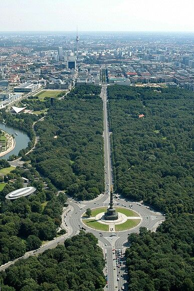 Tiergarten of Berlin. this is a good ariel of a 5 road chi gathering in the circle and anchor point of this location