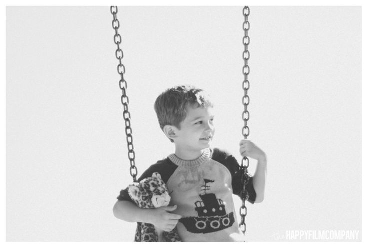 Family photos on the swings! Family Photographer Seattle - the Happy Film Company
