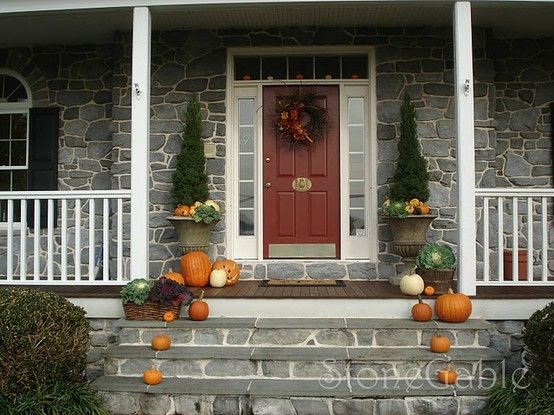 22 Fall Front Porch Ideas someday i'll have a cute little porch like this!