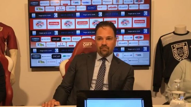 Former New York Mets catcher Mike Piazza has had enough when it comes to the rent his Italian soccer team, Reggiana FC, is being forced to pay. Have you ever complained that your rent is too high? If so, former New York Mets catcher Mike Piazza feels your pain. The Hall of Famer is not happy...