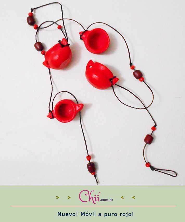 Impregnate de pasión en http://chii.com.ar/ con este móvil de vasijitas especial de #SanValentín! Hay muchos más productos esperándote en la web! :)