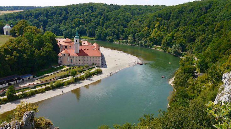 Weltenburger Enge & Donaudurchbruch gehören zu Deutschlands schönstem Naturerlebnis. Eine faszinierende Wanderung entlang der Donau zum Kloster Weltenburg!