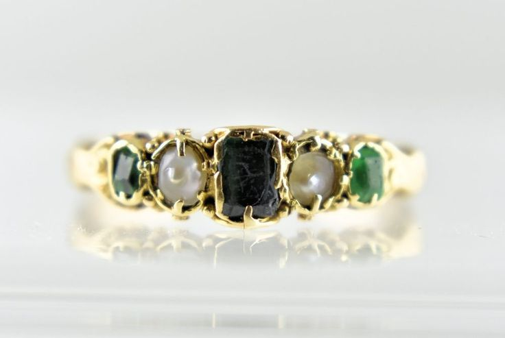 Antique Georgian 18ct Gold Emerald & Seed Pearl Ring, c1820