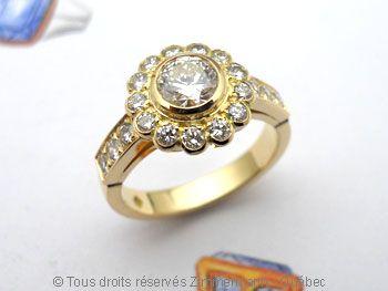 Bague or 18 K et diamants.