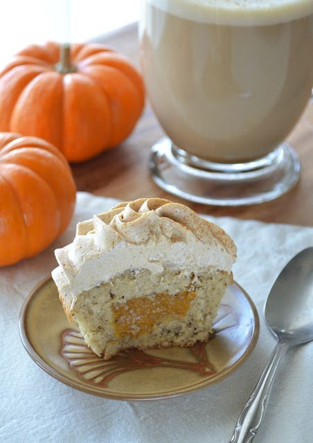 Pumpkin Spice Latte Cupcakes by Building ButtercreamPumpkin Spices, Pumpkin Spice Latte, Spices Cupcakes, Pumpkin Latte, Baking Fun, Delish Desserts, Butter Recipe, Latte Cupcakes, Spices Latte