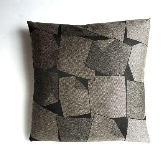 Fodera per cuscino a argenteo disegno geometrico grigio e nero