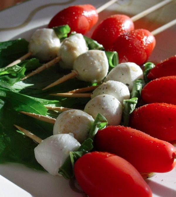 Caprese Salad Skewers - http://stlcooks.com/2014/06/caprese-salad-skewers-2/