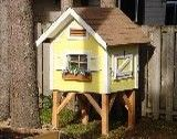 Backyard chicken coop. if i only had chickens!!!!   some day maybe