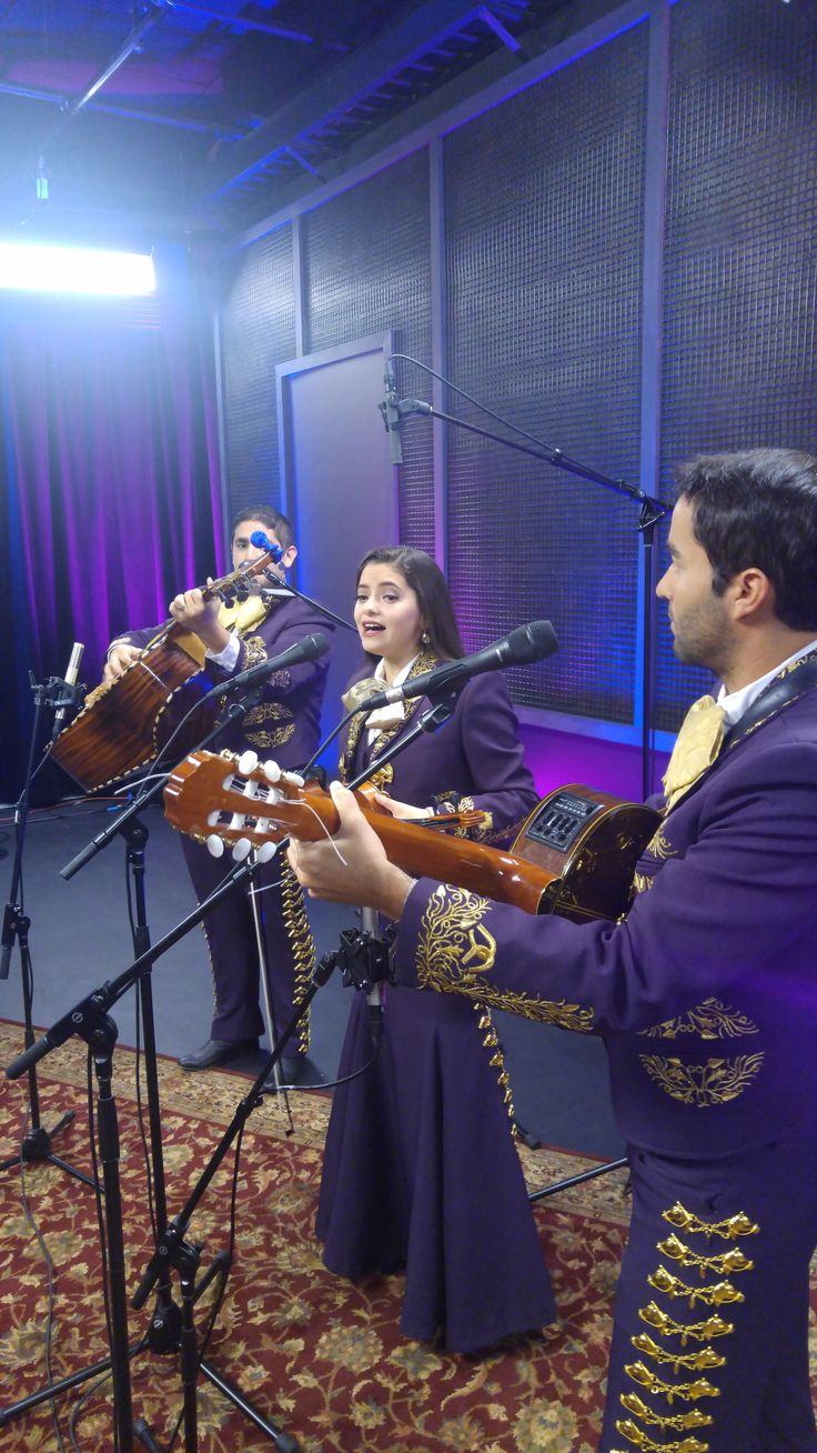 Mariachi band Trio Los Charros visited the studio to record several of their favorite songs.