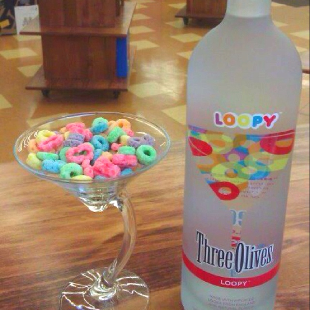 This stuff is delicious!! It seriously is like drinking liquid fruit loops!! Hah :)
