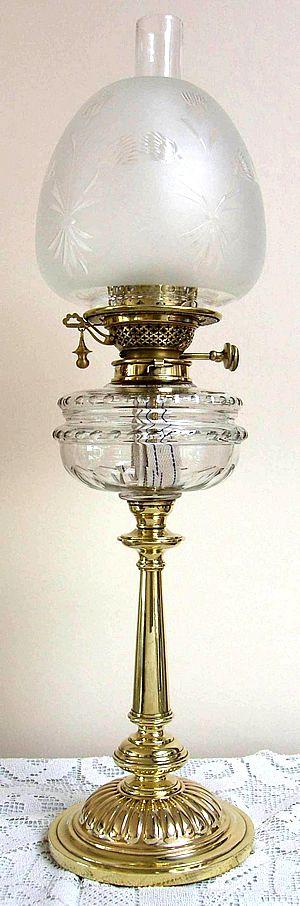 Banquet lamp with self extinguishing duplex burner