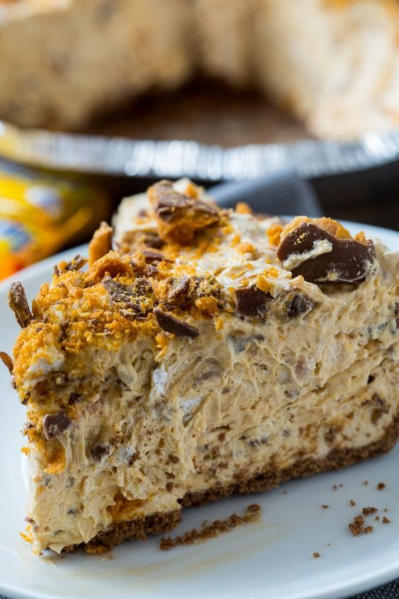 Peanut Butter and Butterfinger Pie