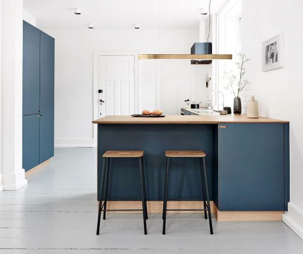 Kitchen with lamp from anour - I MODEL brass