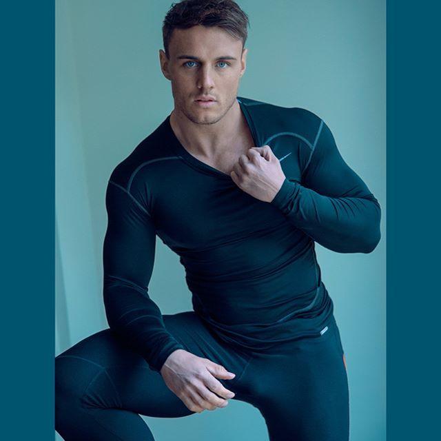Model: @hooper453perrie #JPHarrowPortraits #Photoshoot #MaleModel #MalePortrait #London #Fitness #Fitnessmodel #Physique #MensPhysique
