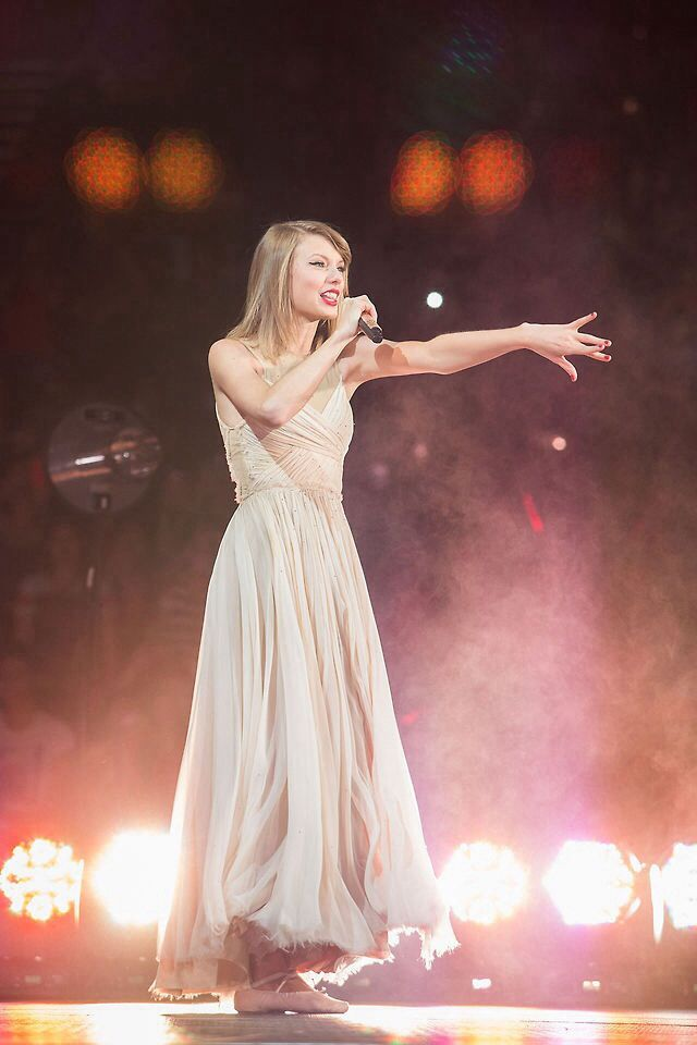 Taylor swift red tour Asia                                                                                                                                                     More