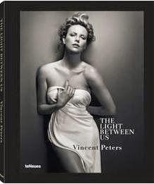 Buch, Kultur und Lifestyle- Helga König Kunst : Rezension:  The Light Between Us- Vincent Peters –...
