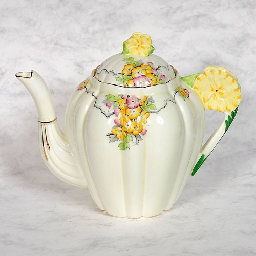 "Vintage Paragon ""May Time"" floral handled teapot --so pretty!!: Lilies Blissfb, Teas Time, Kitchens Teapots Teas, Coffeepot, Teas Pots, Handles Teapots So, Teapots So Pretty, Floral Handles Teapots, Teapots Teacups"