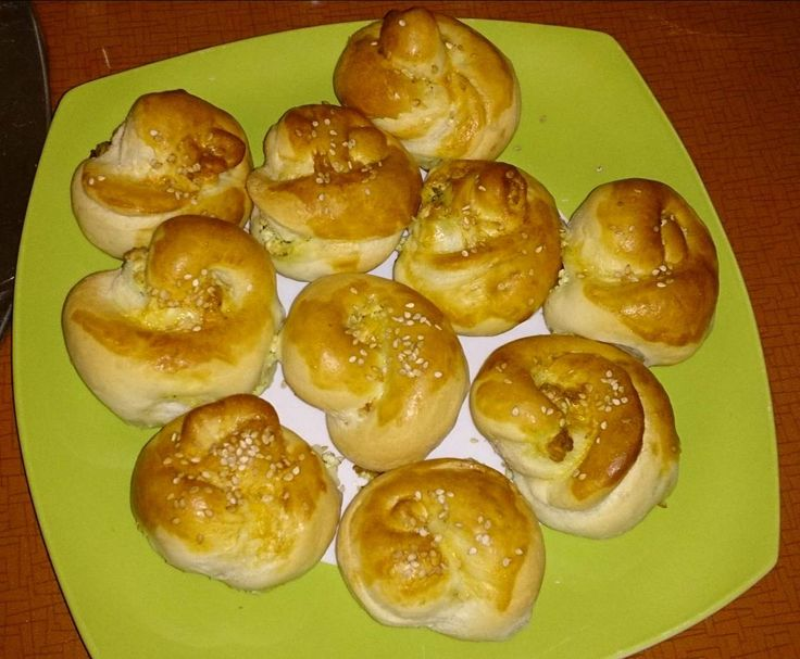 Rezept türkische Brötchen mit Schafskäse von Minimoni - Rezept der Kategorie Backen herzhaft