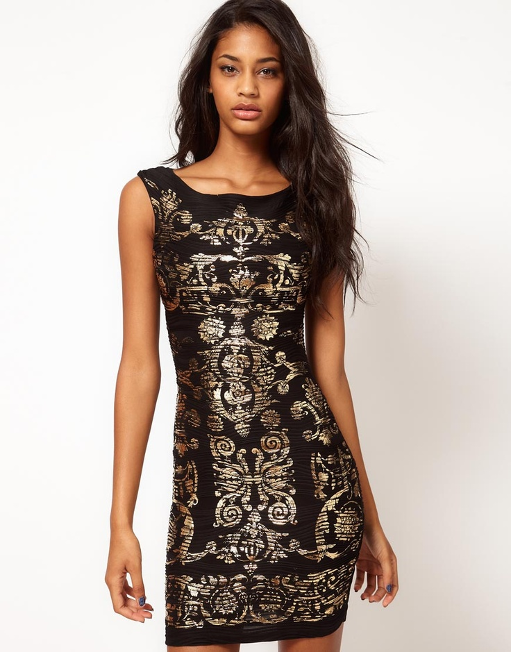Opulence: Asos Kleid mit Knitterfolienoptik