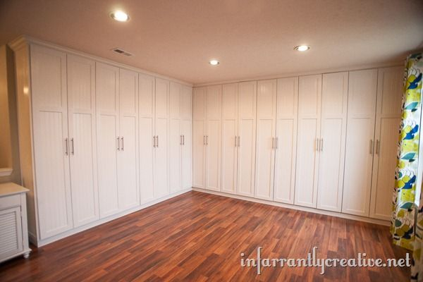 Blogger built in her own studio cabinets for 1,658 buckaroos. (Bids for job came in between 8,000 and 12,000 clams.)