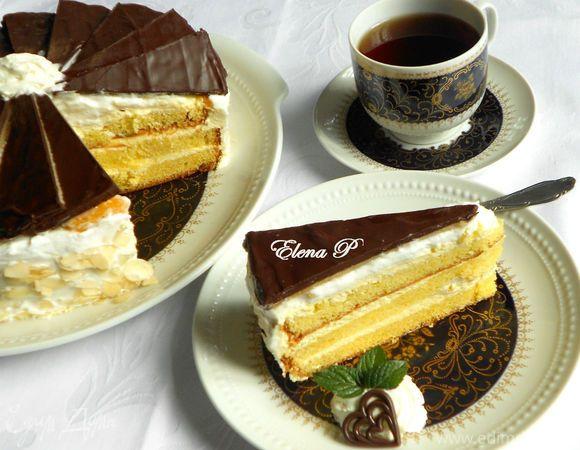 Марципаново-цитрусовый торт. Ингредиенты: мука, яйца куриные, сахар