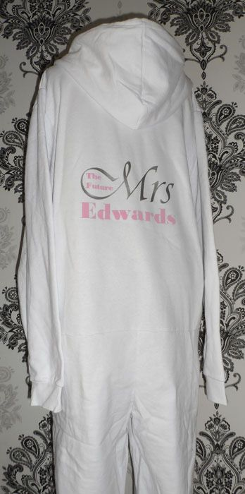 The bridal onesie is an ideal gift for the bride on the wedding morning or hen party.