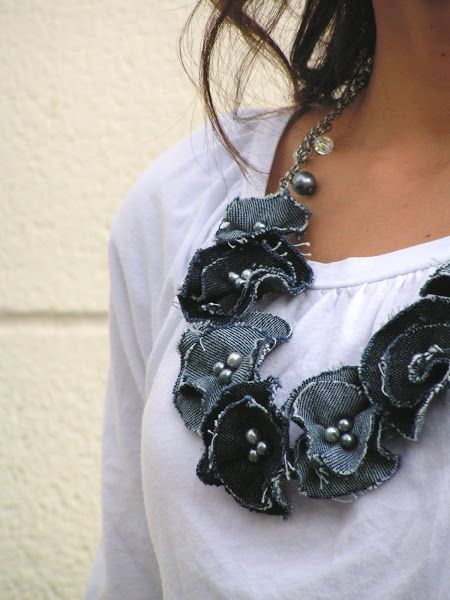 Tea Rose Home: Link Party No.85/ Denim flower necklace....like style but not fabric...would be awesome in polymer clay.
