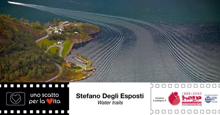 """""""Scie d'acqua sul Naerofjord, Norvegia"""". Stefano Degli Esposti per #unoscattoperlavita, progetto di #easyofficebologna a sostegno della campagna di CCSItalia ▶▶▶▶ http://goo.gl/QWAaFo"""