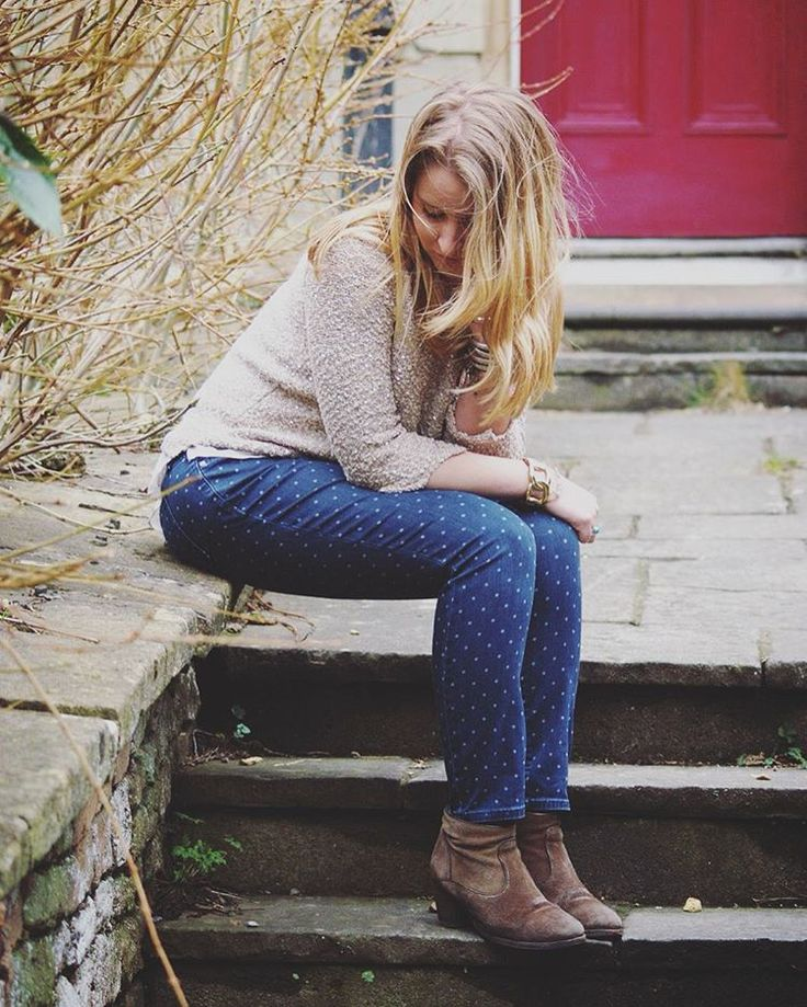 Elise looks great in these spotty jeans and jumper - #FoundInOxfam