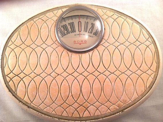 Vintage powder puff pink bathroom scale by Misfitzz on Etsy, $40.00