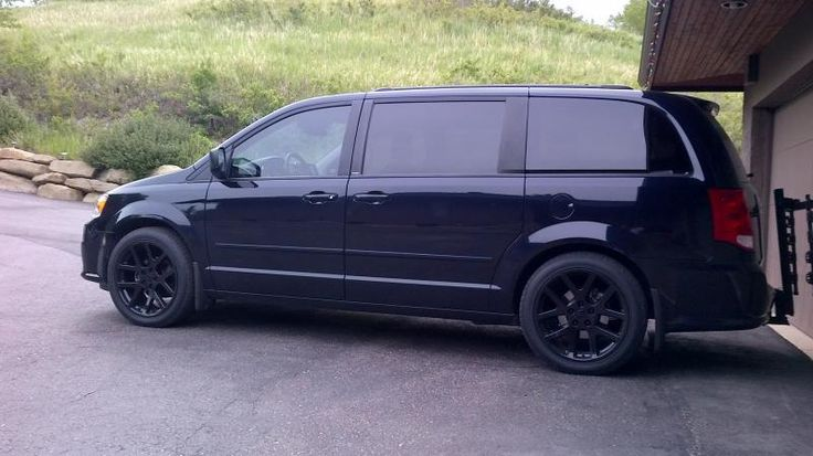 2011 dodge grand caravan  black w   black rims