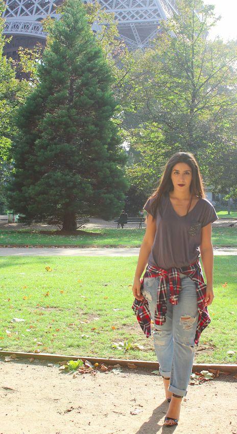 La chemise à carreau : comment la porter ? - Les Plumettes Retrouvez toutes nos #inspirations #mode , #tenue et #tendances sur le #webzine des #plumettes : www.les-plumettes.com