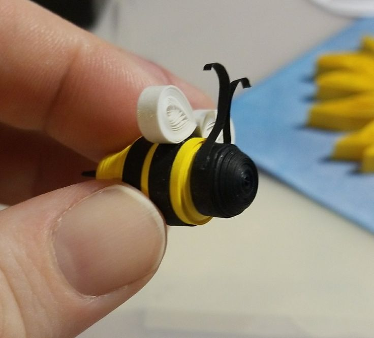 Quilled bee. Bkpapercrafts