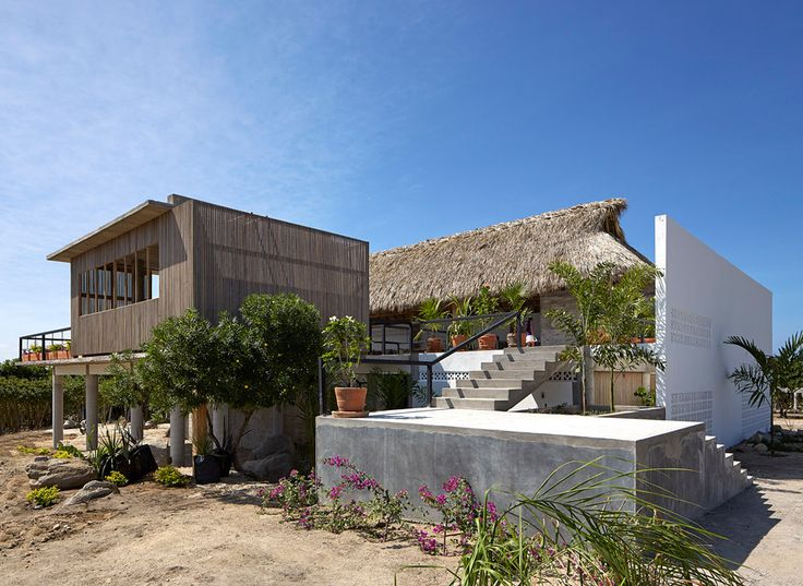 Designed by Alfonso Quiñones of Mexico City studio Baaq, Casa Cal forms part of a cluster of eight houses near Puerto Escondido Oaxaca – a popular tourist spot featuring picturesque beaches and a thriving surf culture.