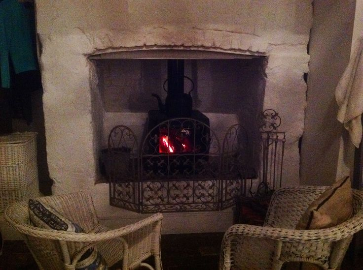 The open fireplace in our room....bliss! The Globe Inn, Yass.