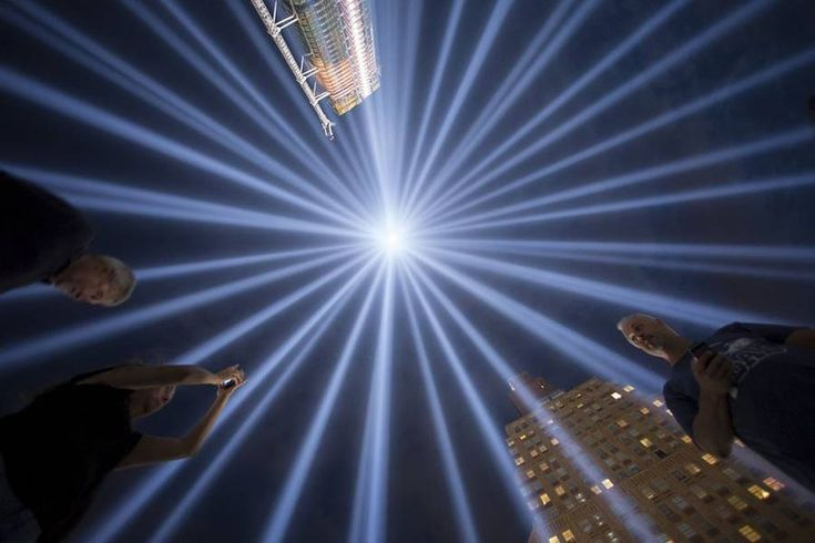 Tribute in Light over Manhattan – Fubiz Media