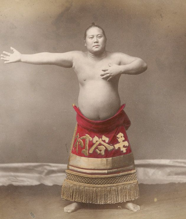Vintage Photos Show Sumo Wrestlers' Surprising Elegance